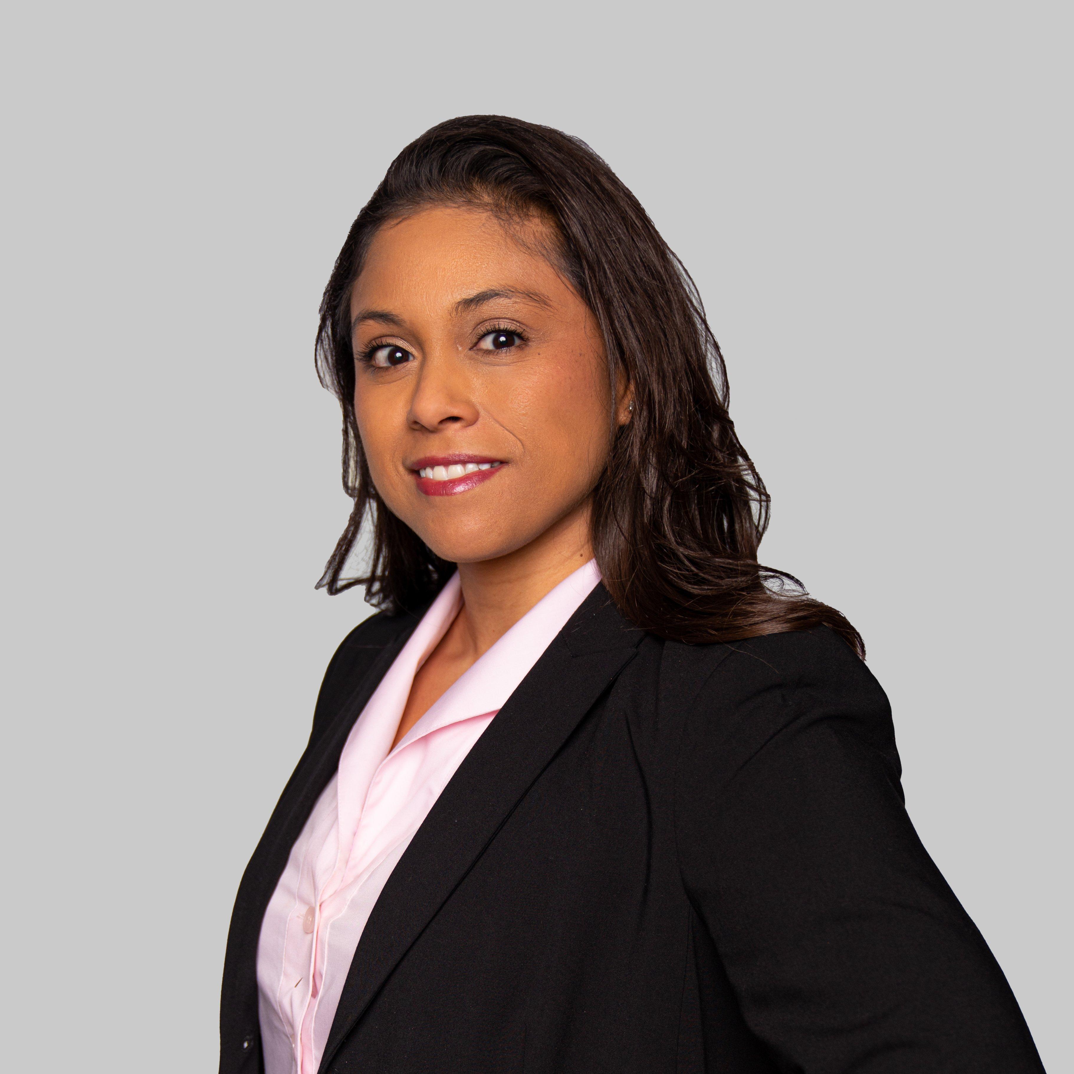 Regina De Hoyos Biography Photo